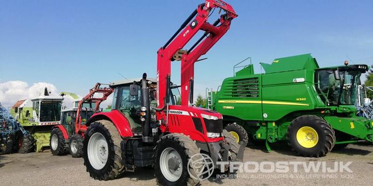 Online auction of agricultural machinery