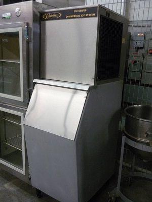 Cornelius Ice Machine With Bin
