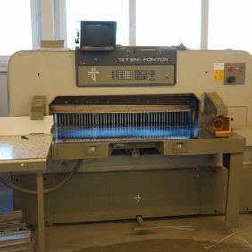 Polar 137 EMC Monitor, Paper cutter