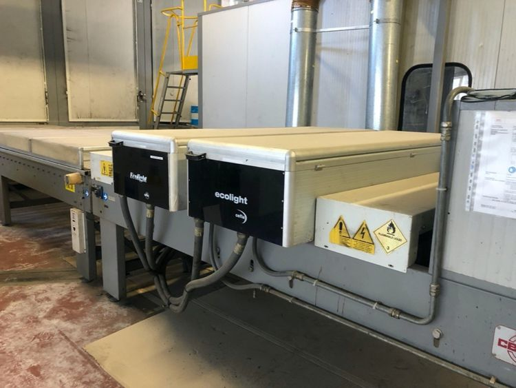 Cefla UV oven with 4 lamps