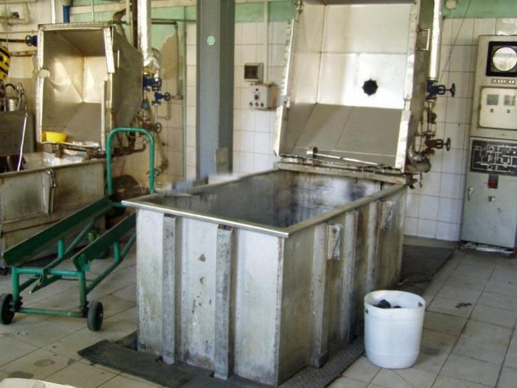 3 Others Raw material dyeing apparatus