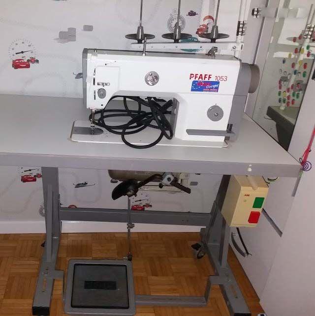Pfaff 1053 Sewing machines