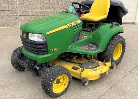 John Deere X728 Lawn & Garden Tractors
