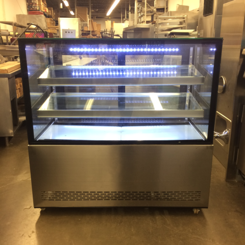 REFRIGERATED PASTRY DISPLAY UNIT