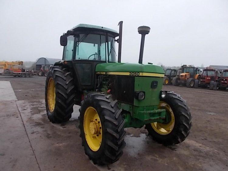 John Deere 3050 tractor