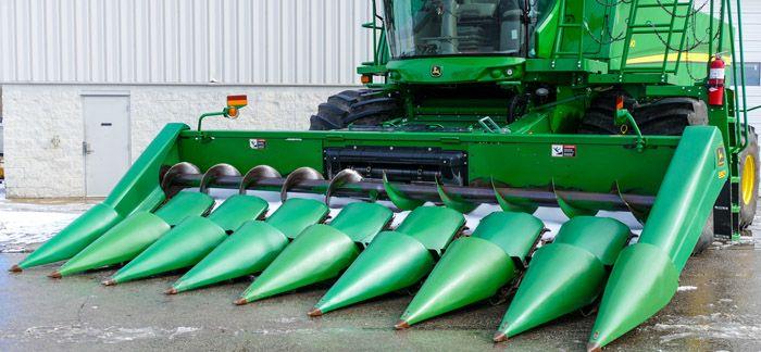 John Deere 893 Corn and Row Crop headers