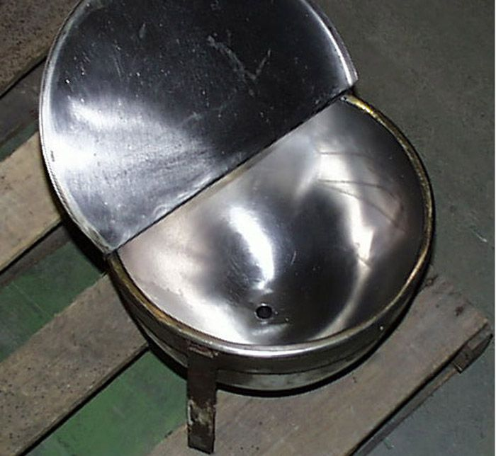 Others 2 Gallon Laboratory Kettles w/ Covers