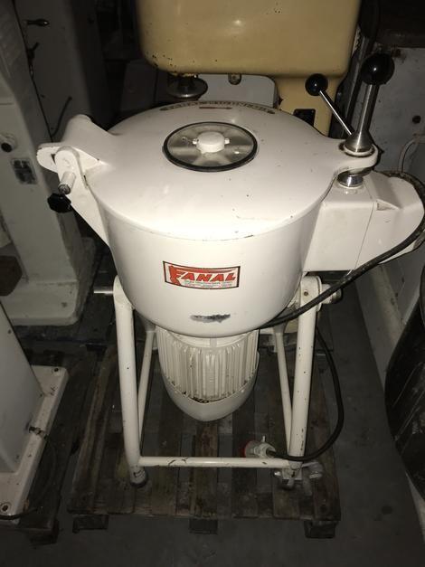 Fanal Breadcrumb grinder / mixer