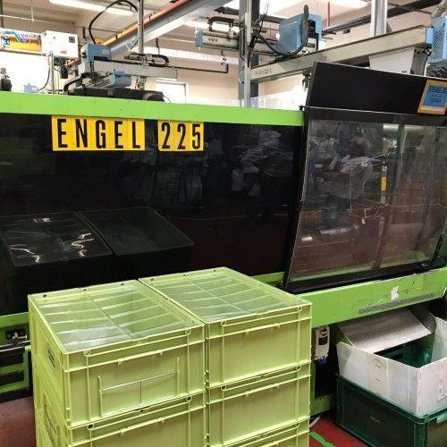 Engel ES 700/225 100 tons