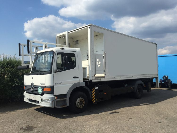 Mercedes Benz HTR Catering Highloader