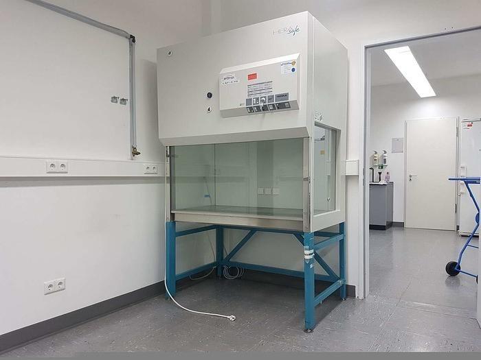 Heraeus HeraSafe HS12  Biological Safety Cabinet