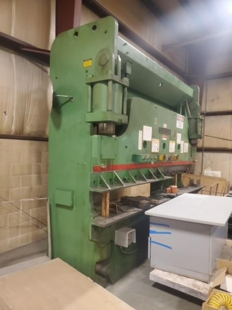 Cincinnati 230CBx10 HYDRAULIC PRESS BRAKE 230 TON x 12'