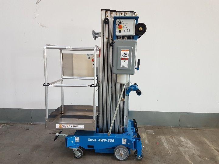 Genius AWP 30S 159 kg Vertical / Personnel Lifts