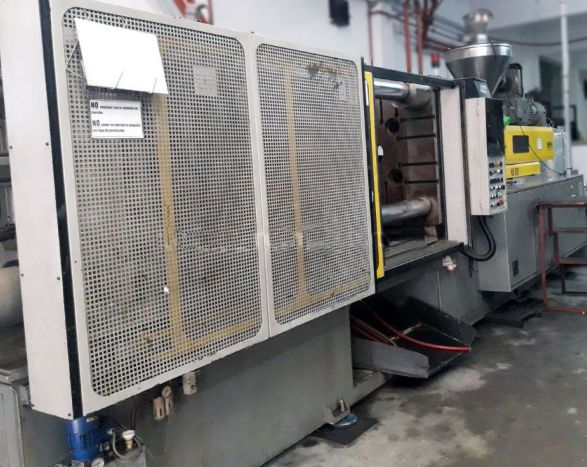 Remu Injection molding machine 450 T
