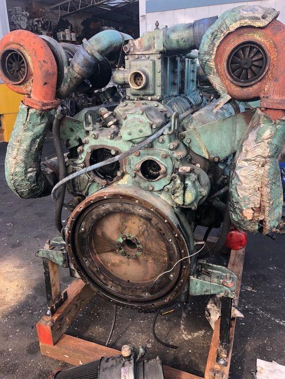 2 Detroit 12v71TI Diesel Marine Engine