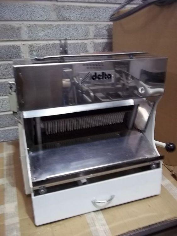 Record Delta Bread Slicer