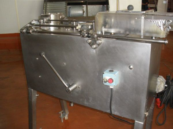 Townsend DB4ACR MACHINE FOR SERVING AND RETURNING SAUSAGES
