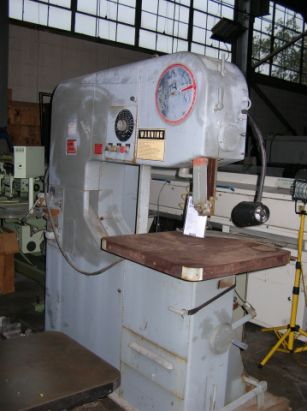 DoAll 3613-20 Power Feed Vertical Band Saw semi automatic