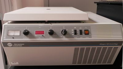 Beckman 6R table top centrifuge