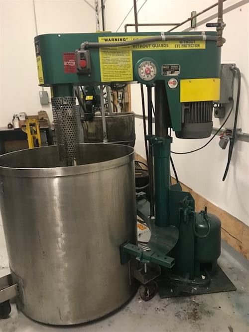 Schold high shear mixer with tank