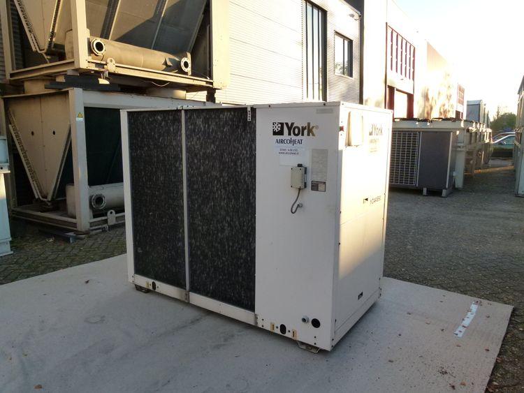 York YCAA B 90 Air Cooled Waterchiller 62.9kW