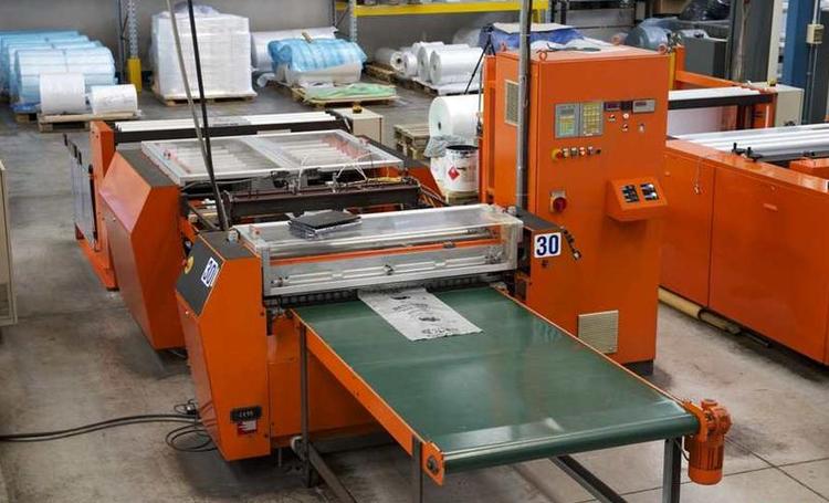 Arvor 1100 SFA Bag making machine