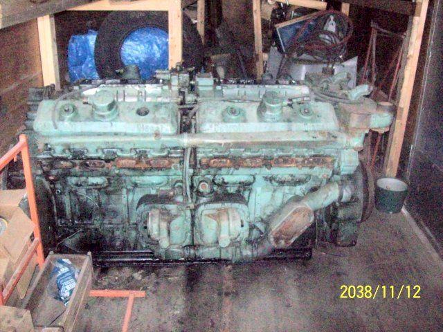 Detroit 16V-71 Marine Engine
