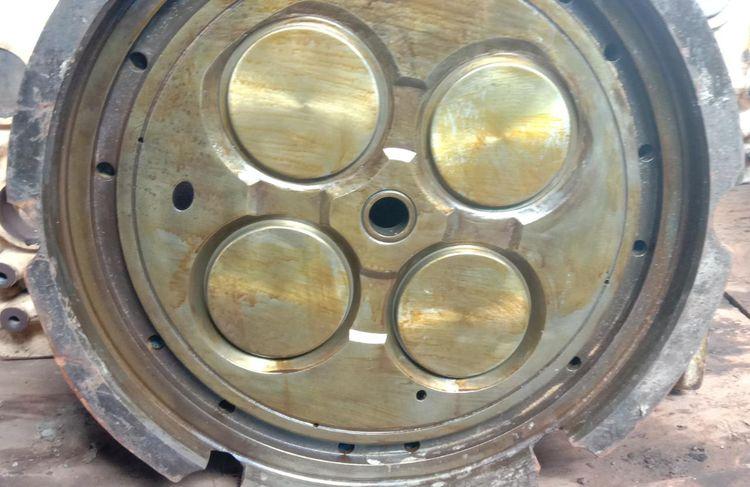 2 Rolls Royce // ROLLS ROYCE BERGEN B32:40L8P // CYLINDER HEAD //