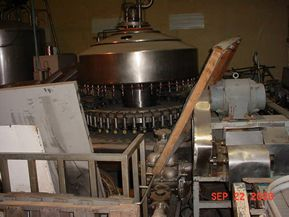 Federal 42 HEAD STAINLESS STEEL ROTARY LIQUID FILLING MACHINE.