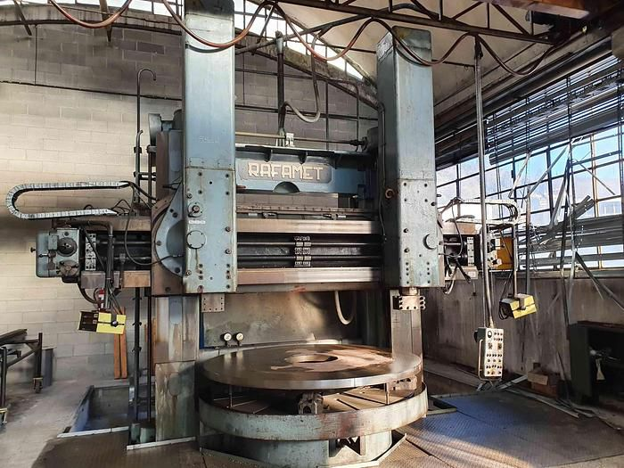 Rafamet KCF 200 Vertical Turning Machine