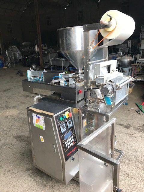DCJ 300 Series Sauce Bagging Machine