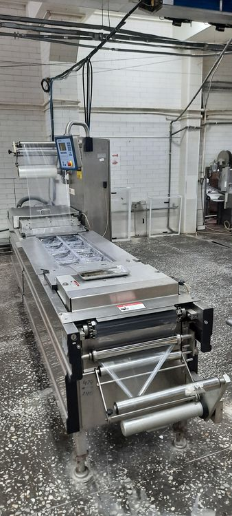 2 CFS Compact M 420 Thermoformer CFS Compact M 420 in a perfect condition