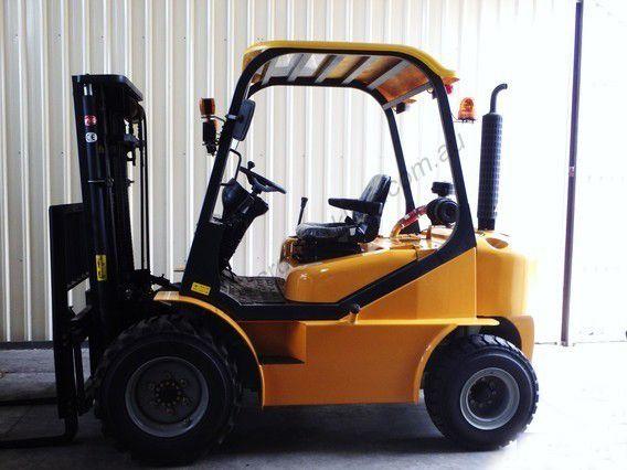 YTO Terrain Forklift 2500kg