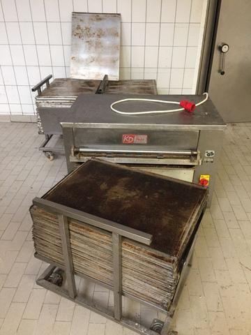 KD Putz II-A , Tray cleaner