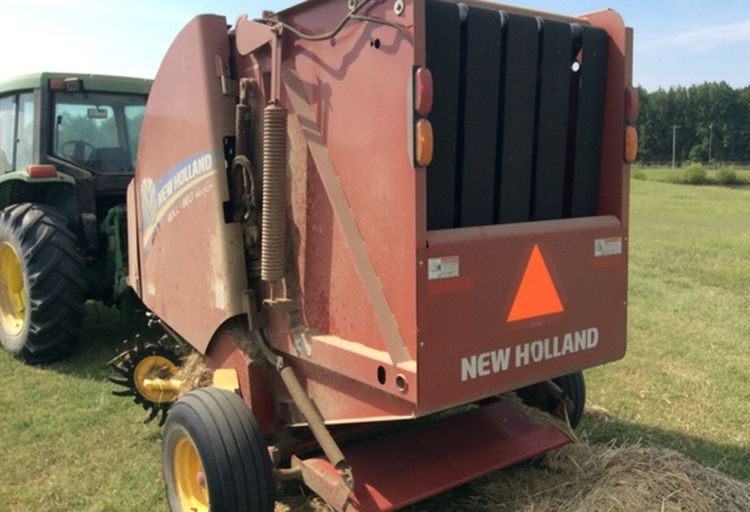 New Holland Rollbelt 450 Utility      Home Used