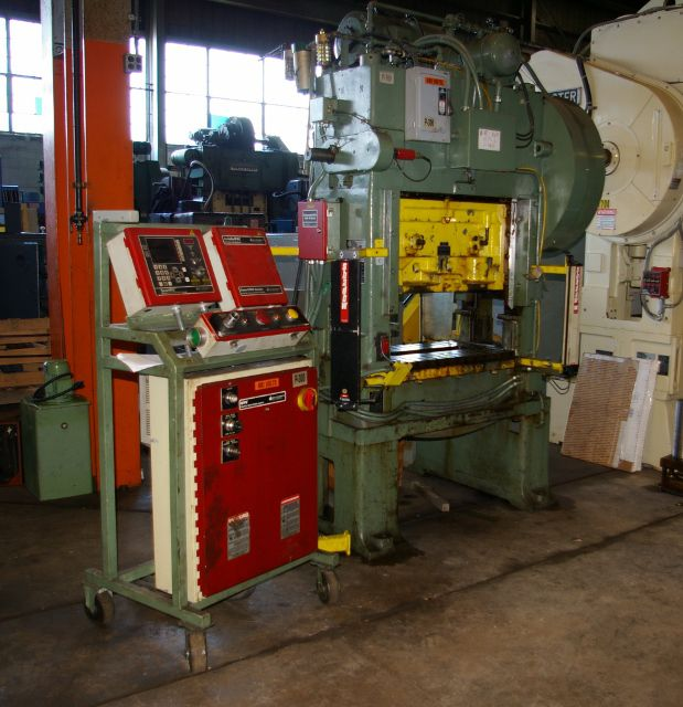 Minster P2-30 HIGH SPEED STRAIGHT SIDE PRESS Max. 30 Ton