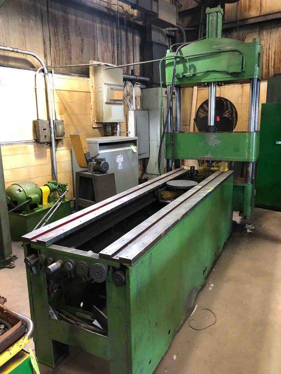 4 POST HYDRAULIC STRAIGHTENING PRESS Max. 60 Ton