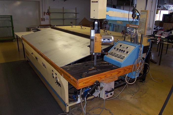 STIPAC D 105 Cutting machine