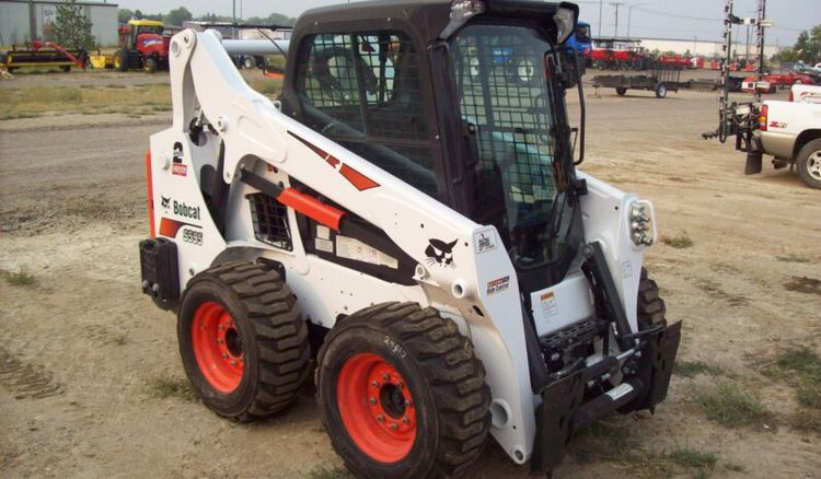 Bobcat S595 Skid Steer Loaders