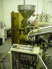 IWKA TF-24, AUTOMATIC PLASTIC TUBE FILLING AND SEALING MACHINE