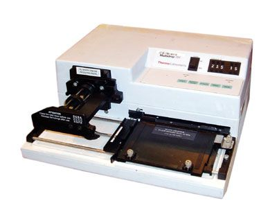 LabSystems Multidrop 384 Microplate Dispenser