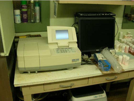 Shimadzu UV 1700 Lab