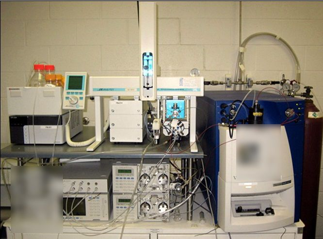 Shimadzu LC with Leap autosampler