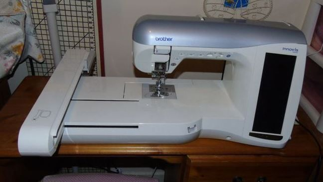 Brother INNOV'IS 4000 Sewing and embroidery