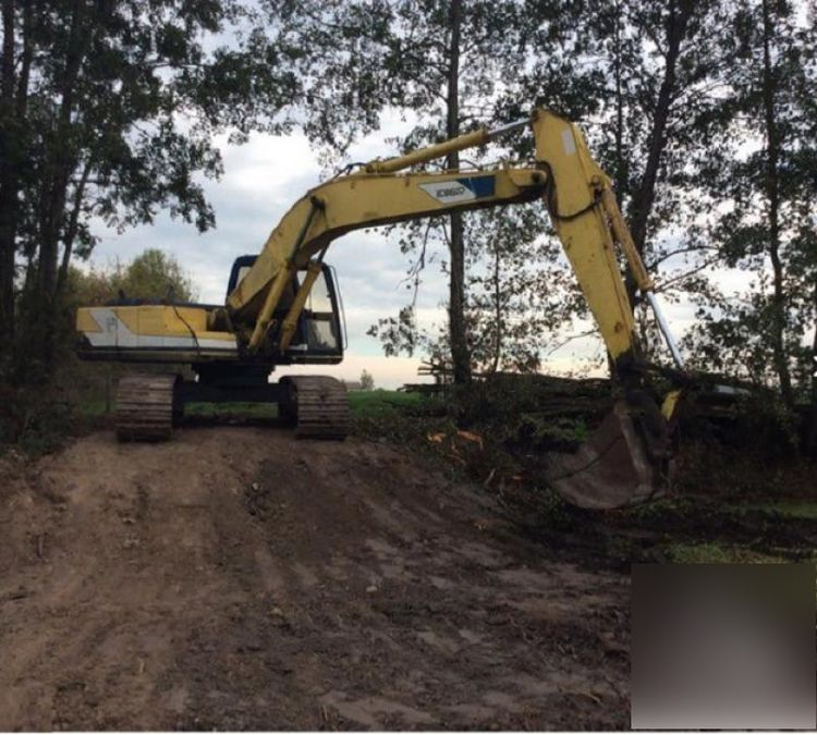 Kobelco SK 200 LC Tracked excavator