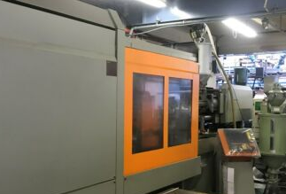 Sandretto Injection moulding machines 500 T