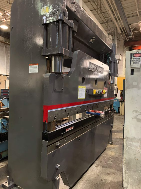 Cincinnati CB Press Brake 135 Ton