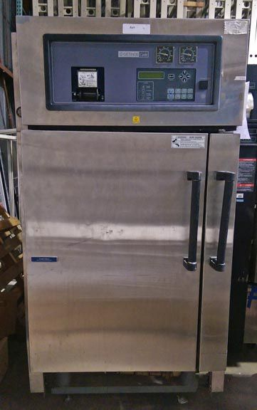 Castle, Getinge 233LS, Vacuum Steam Sterilizer