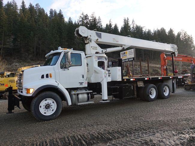 Sterling L9500 Crane truck