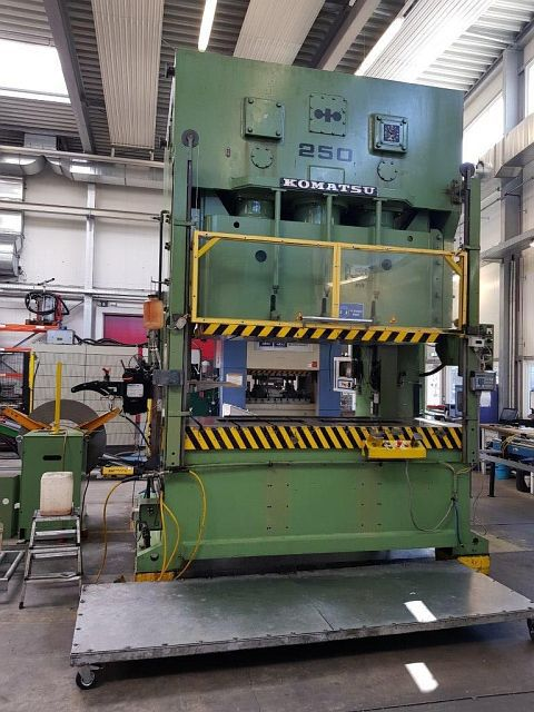 Komatsu OBW 250-2 250 Ton